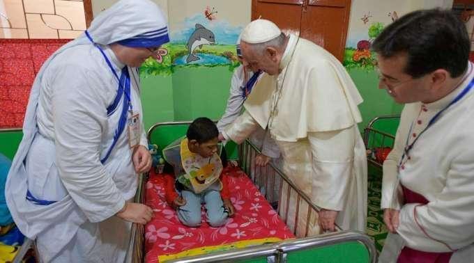 Papa adverte aos hospitais católicos sobre o perigo de converter-se em negócios