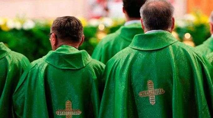 http://www.acidigital.com//imagespp/size680/Sacerdotes_ACIPrensa010318.jpg