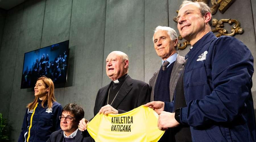 Apresentam Athletica Vaticana c18affe2349ec