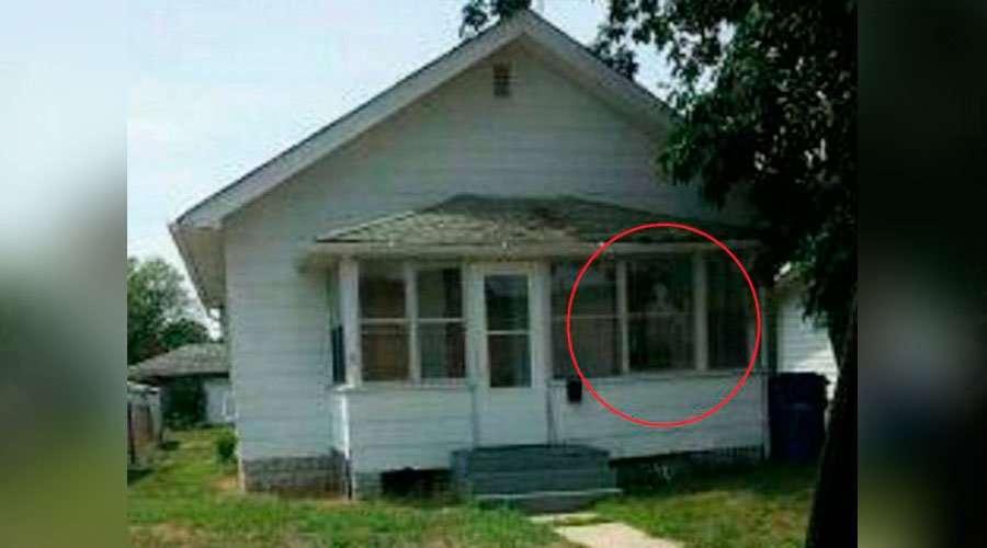 Uma hist ria real derrubam uma casa infestada de dem nios for Creador de casas
