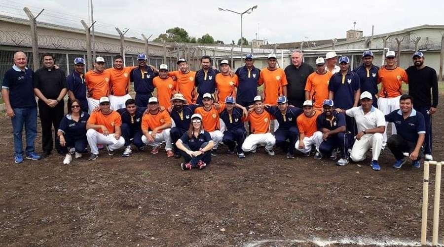Equipe do Vaticano joga partida de cricket com presos na Argentina f2d92e31dc4f9