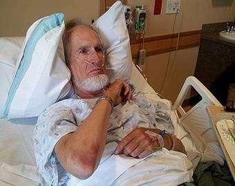 Everett Stadig, ativista pró-vida em recuperação hospitalar.