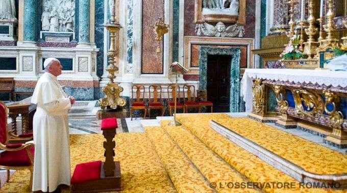 23/09 - Papa Francisco agradece a Nossa Senhora por sua viagem a Albânia