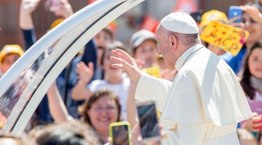 Papa recorda próximo encontro de oração por cristãos perseguidos no Oriente  Médio 723aebf1911eb