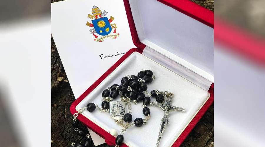 ATUALIZADO   Papa Francisco enviou um terço para Lula  Vaticano desmente 955c5d4211e98