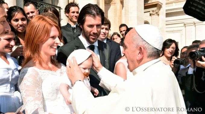 Papa Francisco: As crianças têm direito a uma família com pai e mãe
