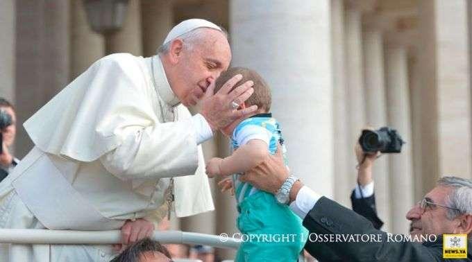 Bebê abandonado em uma paróquia da Itália receberá o nome de Francisco em homenagem ao Papa
