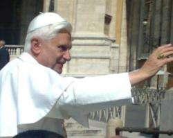 Lei de Deus não é escravidão e sim um dom para liberdade e felicidade, afirma o Papa
