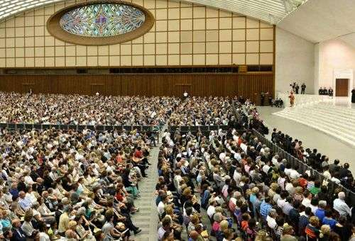 Sala Paulo VI lotada para escutar a catequese do Papa