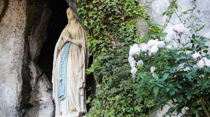 Isto é O Que Deve Saber Sobre A Famosa água De Lourdes